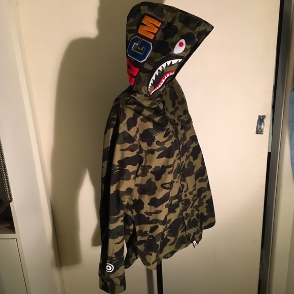 large choix de couleurs vente pas cher plus de photos BAPE authentic Button up camouflage hooded jacket